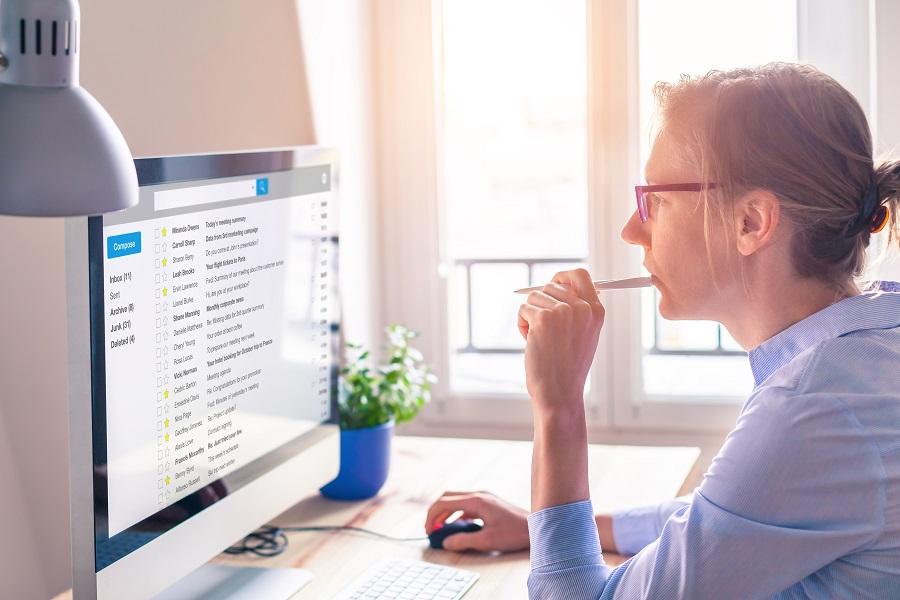 Arbeitgeber kontrolliert Emails von Mitarbeitern